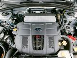 112 0508 02z+2006 subaru forester+top engine view