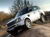 Range Rover a tres ruedas